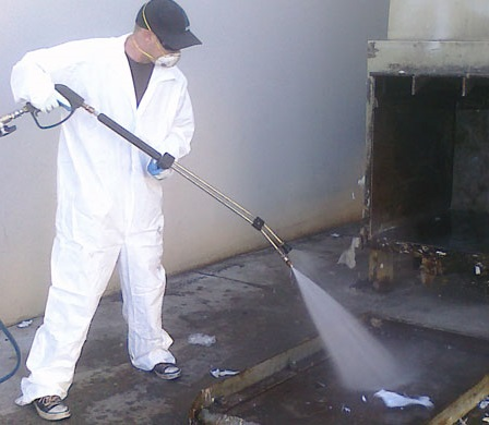 dumpster_pad_cleaning_in_fort-mcmurray