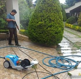 استفاده از واترجت و کارواش خانگی برای شستشو باغ و حیاط