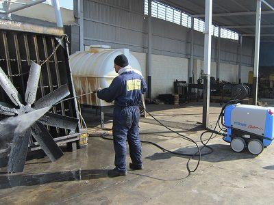 نظافت صنعتی | دستگاه واترجت صنعتی | نظافت صنعتی چیست
