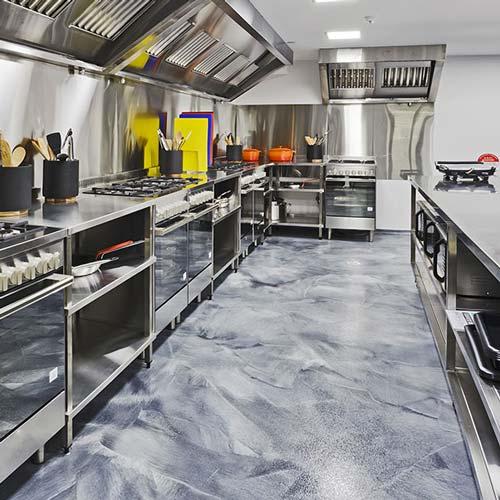 نظافت آشپزخانه با بخارشوی صنعتی