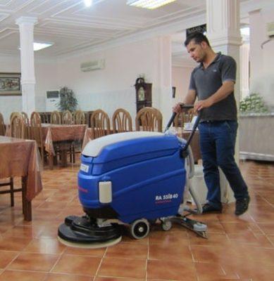 نظافت رستوران با کفشوی صنعتی