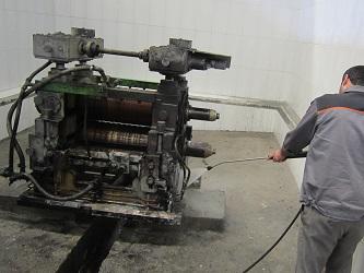 کاربرد واترجت صنعتی برای نظافت پتروشیمی و شستشوی صنعتی
