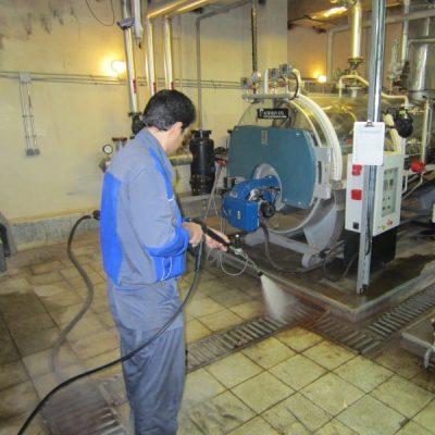 شستشوی محیط های صنعتی با کارواش صنعتی آب گرم