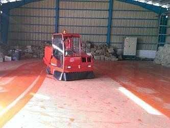 نظافت انبار با سوییپر صنعتی