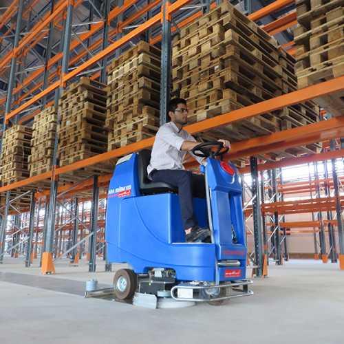 کاربرد تجهیزات نظافت صنعتی در صنایع گوناگون