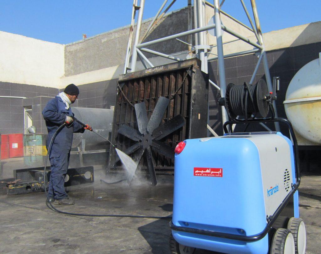 شستشویی پره صنعتی با واتر جت آب گرم