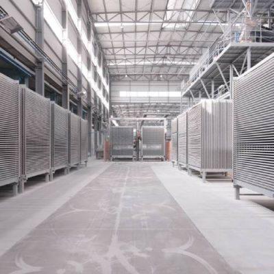 کاربرد دستگاه های نظافت صنعتی در کارخانه کاشی و سرامیک