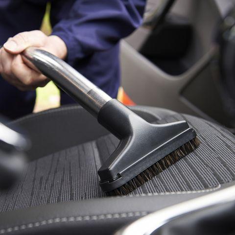 نظافت داخل اتومبیل